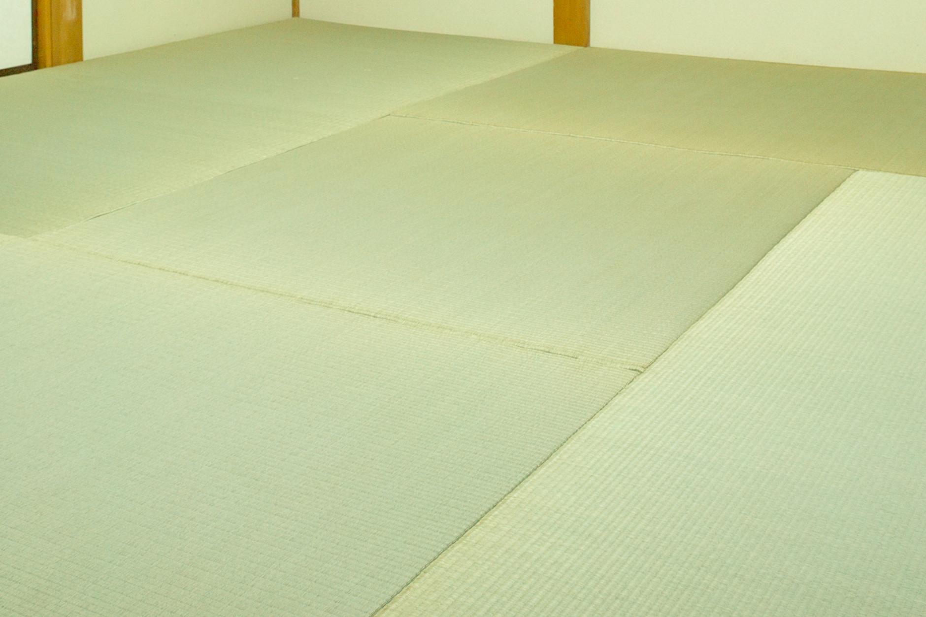 縁なし畳(琉球畳)の一畳サイズ四畳半の間